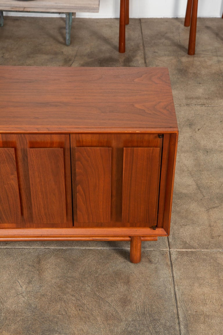 Geometric Walnut Credenza by Lane For Sale 5