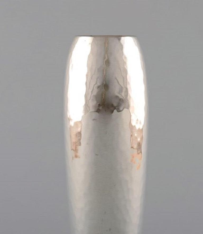 Georg Jensen Art Deco Vase in Hammered Sterling Silver, 4 Pieces In Good Condition For Sale In Copenhagen, Denmark