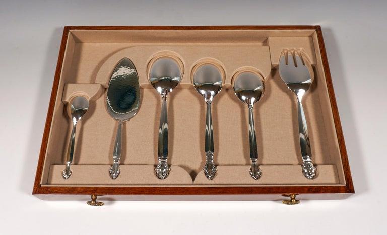 Georg Jensen Art Nouveau Silver Cutlery Set in Showcase, Design Johan Rohde 1920 For Sale 4