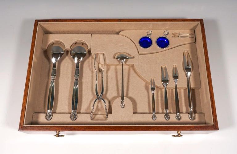 Georg Jensen Art Nouveau Silver Cutlery Set in Showcase, Design Johan Rohde 1920 For Sale 8