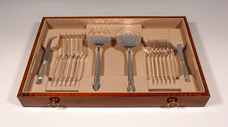 Georg Jensen Art Nouveau Silver Cutlery Set in Showcase, Design Johan Rohde 1920 For Sale 2