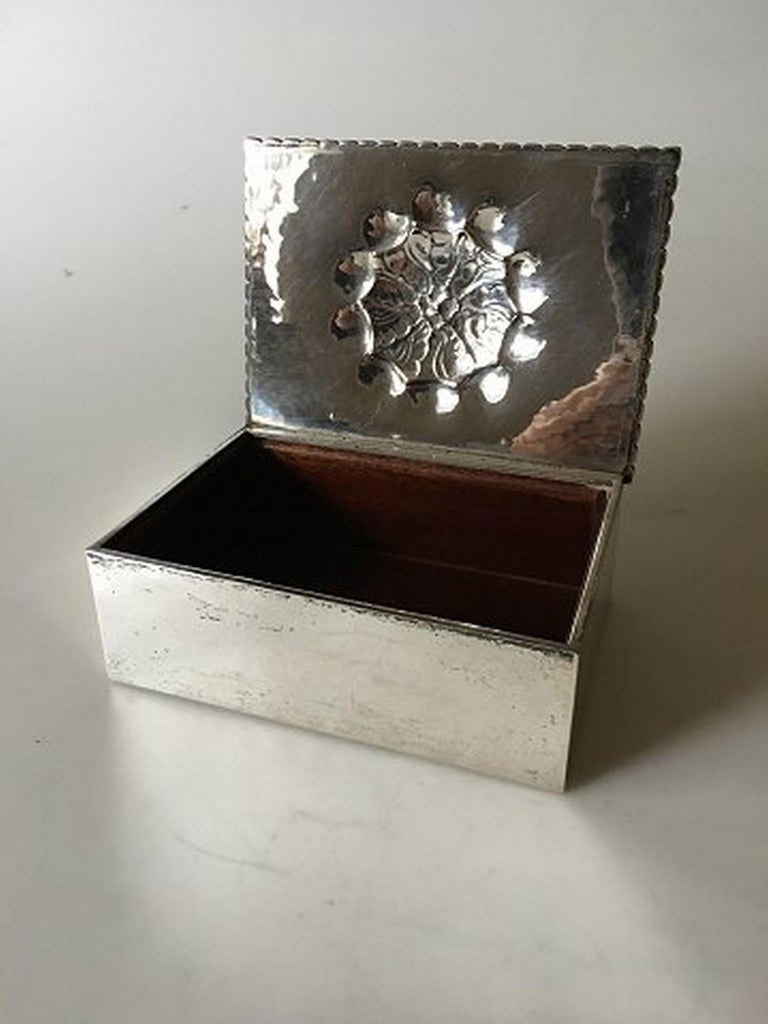 Georg Jensen box in 830 silver from 1919 no 89. Measures 13.5 cm x 10 cm (5 5/16