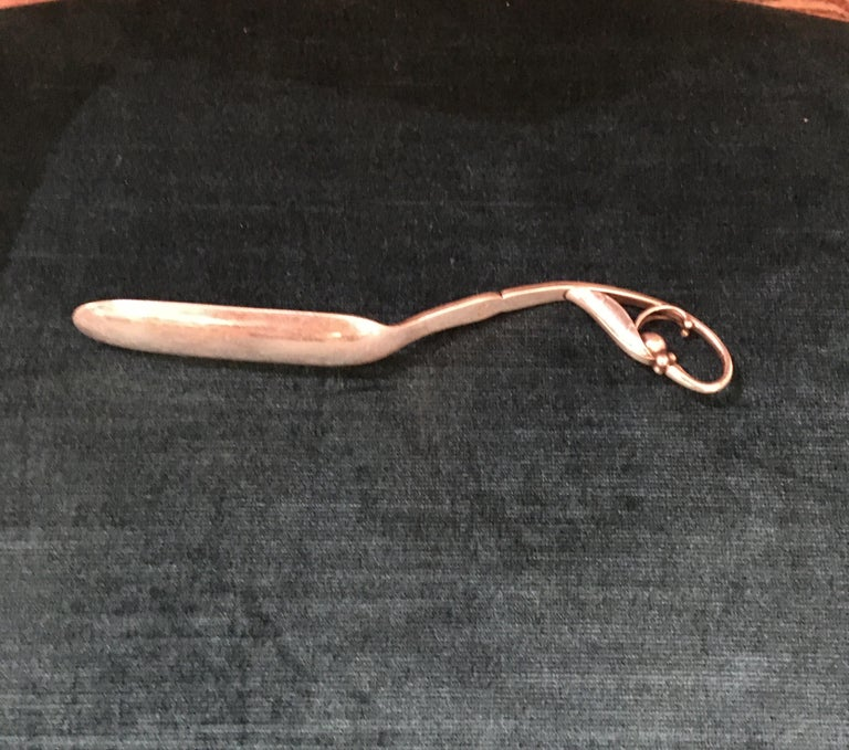 Georg Jensen Pea in the Pod #21 marrow scoop. Sterling Silver, makers mark on back handle.