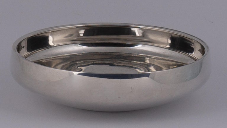 Henning Koppel - Sterling Silver Bowl, Model No. 1132B - Georg Jensen, Denmark  For Sale 1