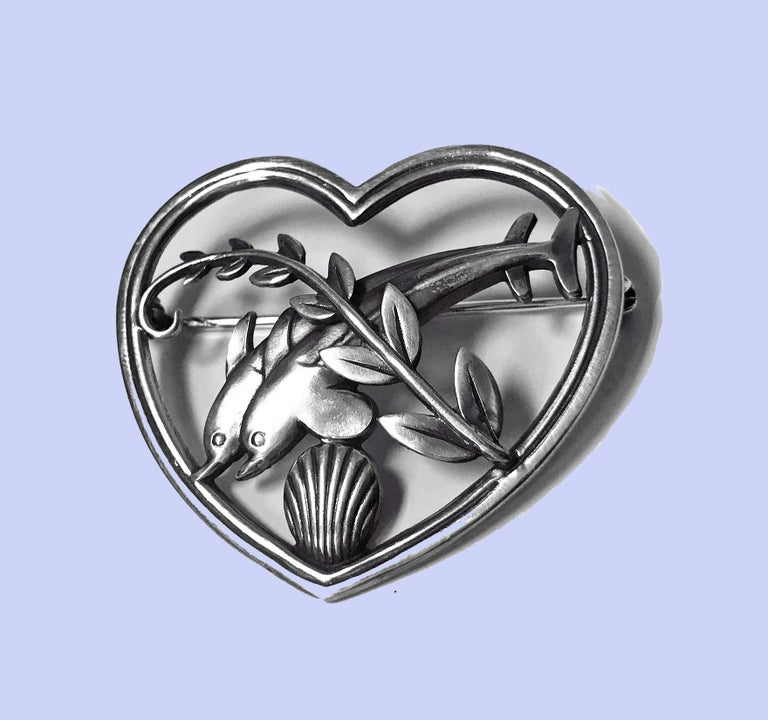 Georg Jensen Sterling Silver Dolphin Heart Brooch, circa 1930 In Good Condition For Sale In Toronto, ON