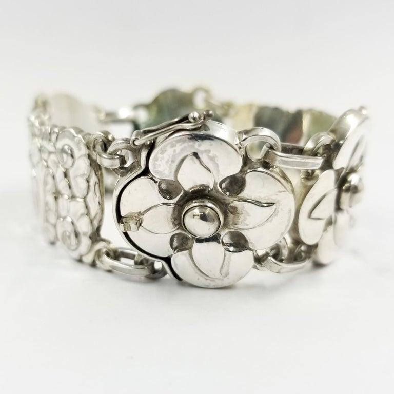 Women's Georg Jensen Sterling Silver Flower Bracelet Number 26 For Sale