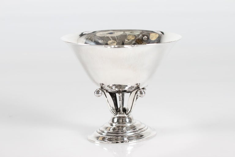 Georg Jensen bowl on oblong foot model number 6.    Made of handcrafted sterling silver with stamp from the periode after 1945. Originally is this bowl designed in 1915 by artist Johan Rohde who worked for Georg Jensen for a long period.