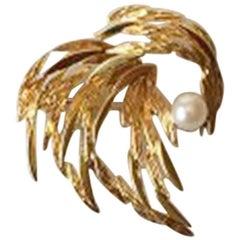 Georg Jensen & Wendel, 18 Karat Gold Brooch with Pearl