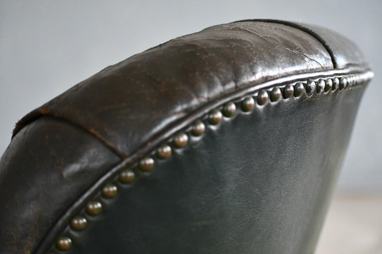 Georg Kofoed Attributed Danish 1940s Lounge Chair in Tufted Dark Green Leather For Sale 5