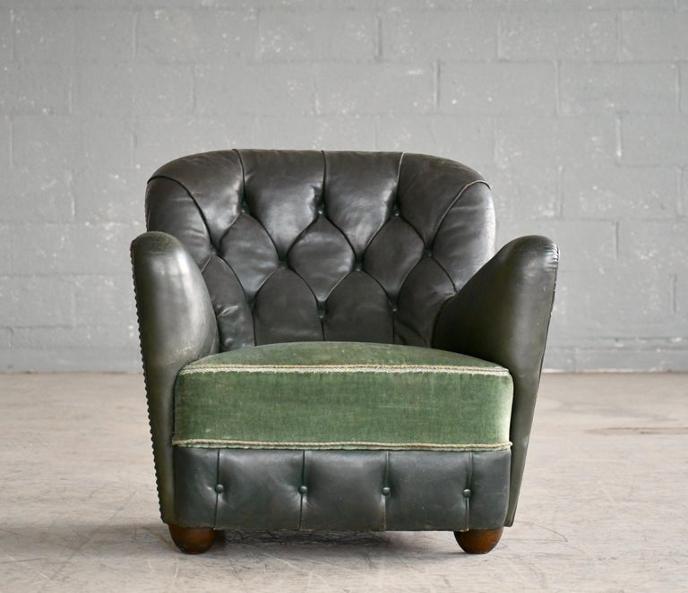 Mid-20th Century Georg Kofoed Attributed Danish 1940s Lounge Chair in Tufted Dark Green Leather For Sale