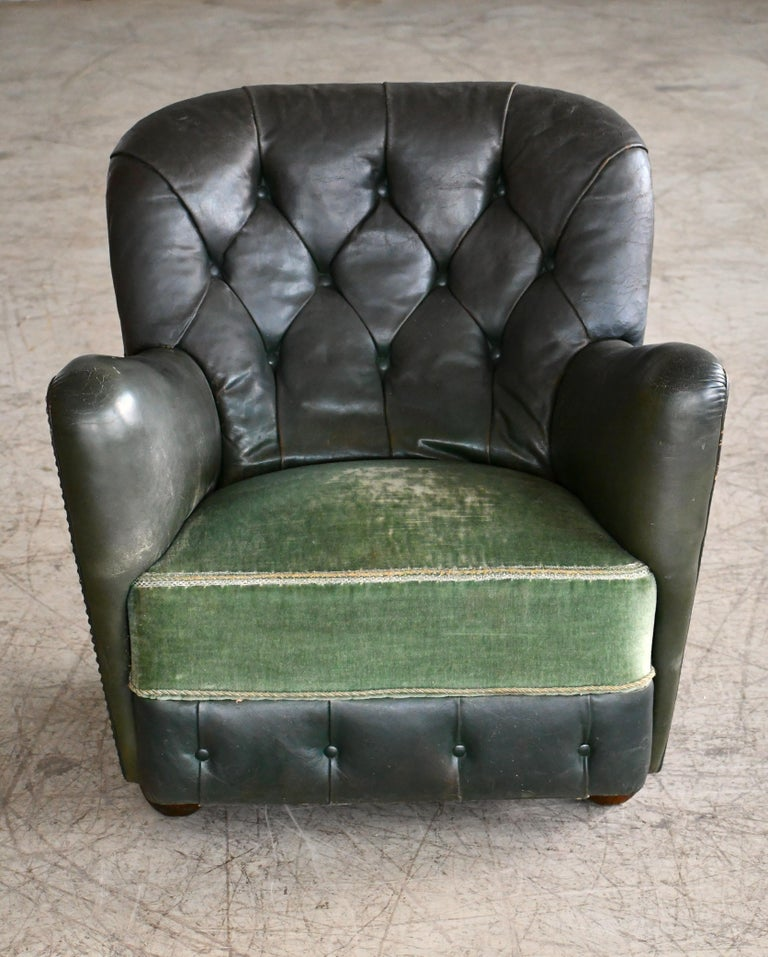 Georg Kofoed Attributed Danish 1940s Lounge Chair in Tufted Dark Green Leather For Sale 1