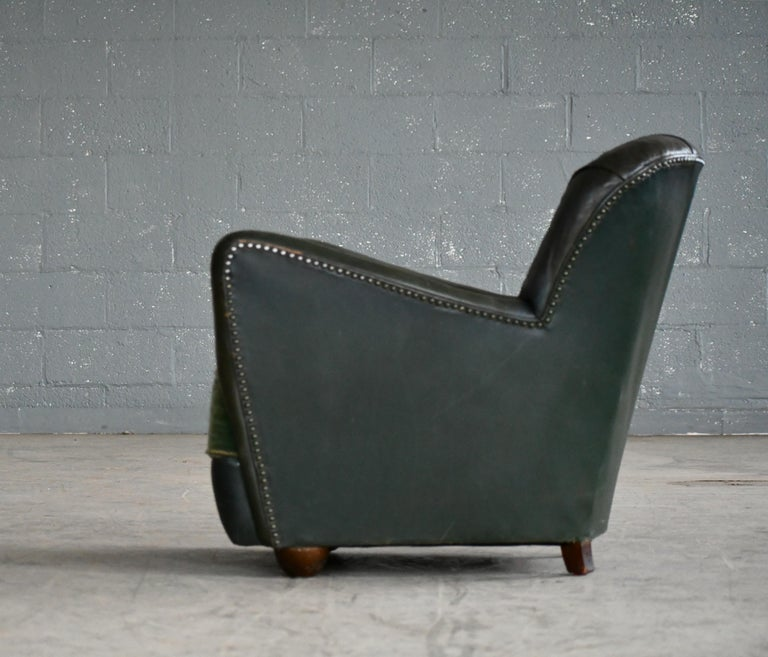 Georg Kofoed Attributed Danish 1940s Lounge Chair in Tufted Dark Green Leather For Sale 3