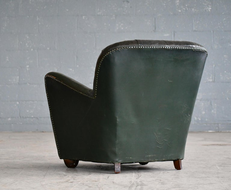 Georg Kofoed Attributed Danish 1940s Lounge Chair in Tufted Dark Green Leather For Sale 4