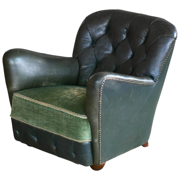 Georg Kofoed Attributed Danish 1940s Lounge Chair in Tufted Dark Green Leather For Sale