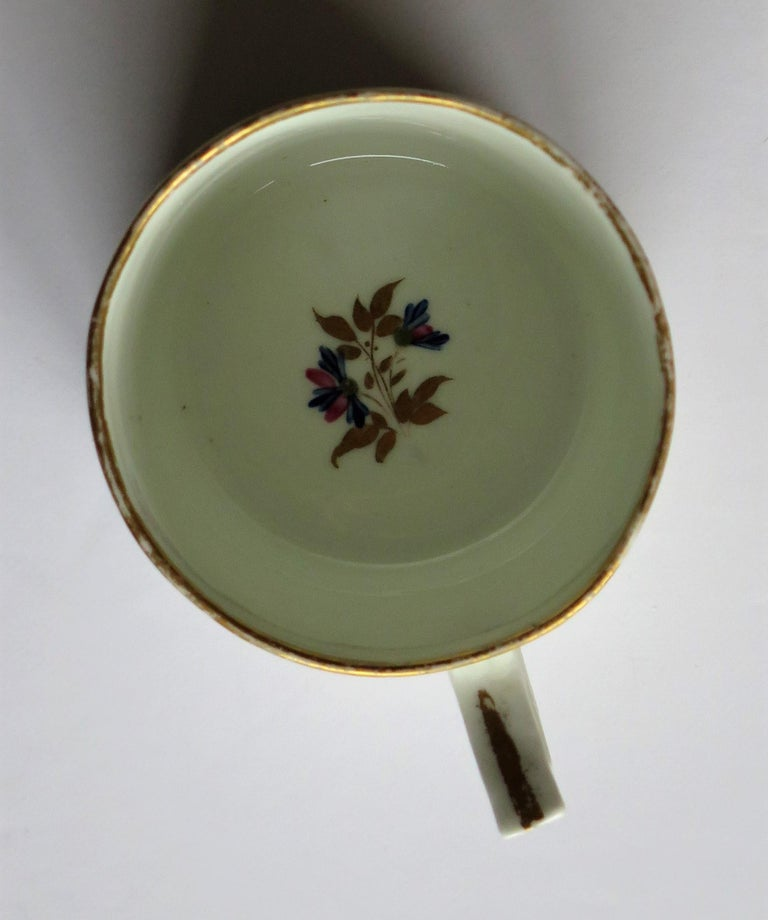 George 3rd Derby Coffee Can Chantilly Sprigs Pattern 129, circa 1805-1810 For Sale 9