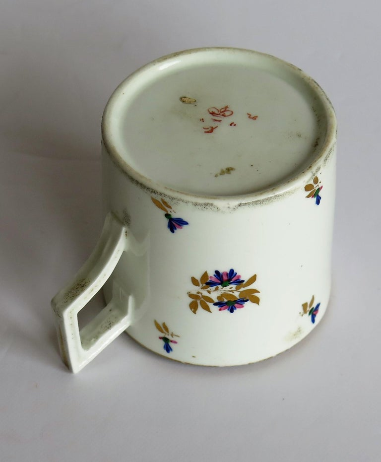 George 3rd Derby Coffee Can Chantilly Sprigs Pattern 129, circa 1805-1810 For Sale 10