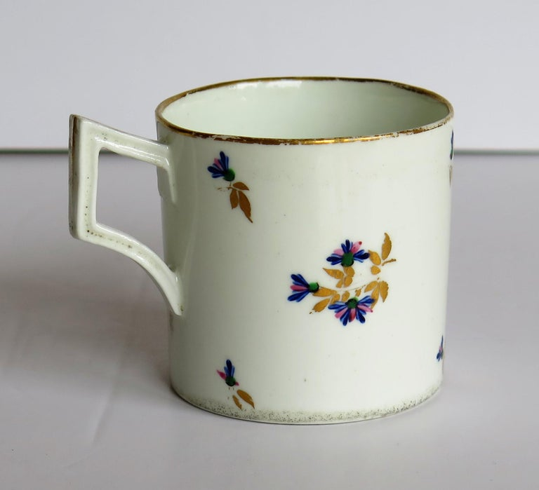 George III George 3rd Derby Coffee Can Chantilly Sprigs Pattern 129, circa 1805-1810 For Sale