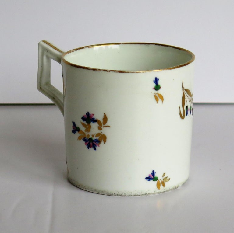 19th Century George 3rd Derby Coffee Can Chantilly Sprigs Pattern 129, circa 1805-1810 For Sale