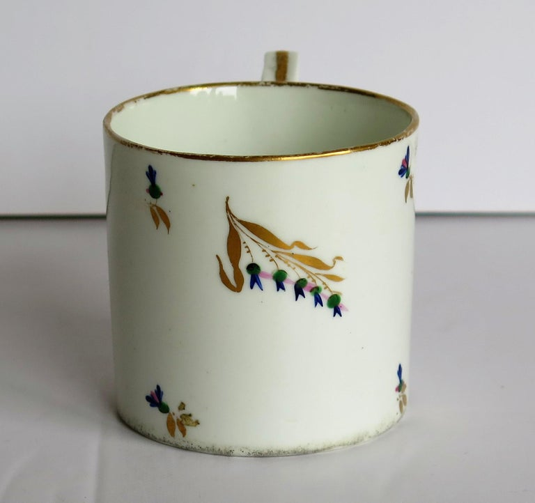 Porcelain George 3rd Derby Coffee Can Chantilly Sprigs Pattern 129, circa 1805-1810 For Sale