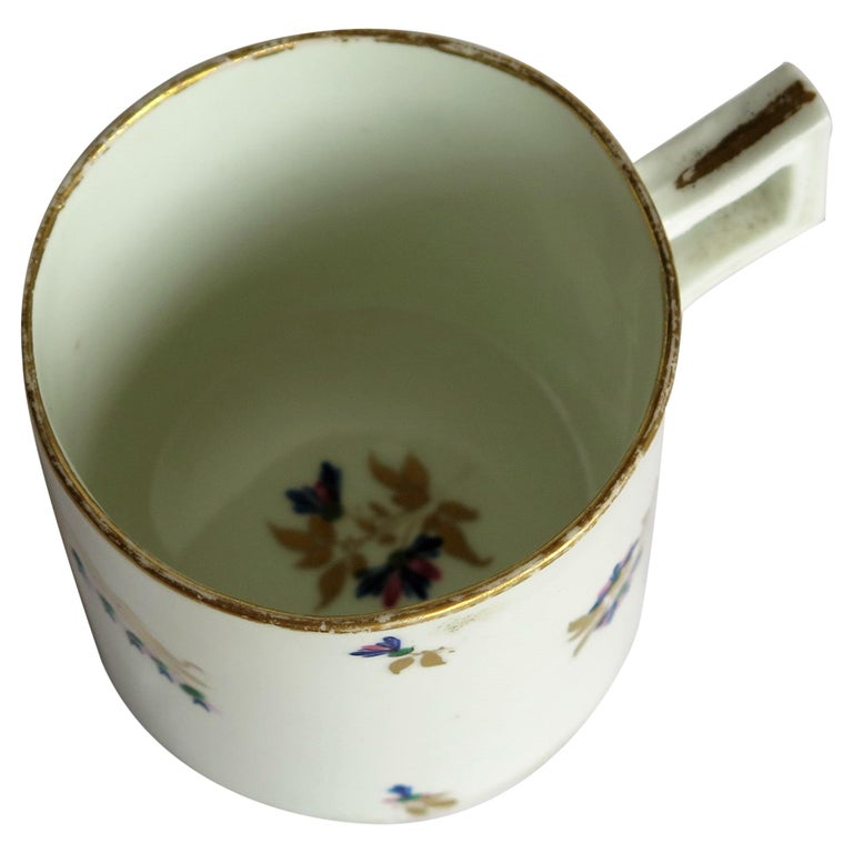George 3rd Derby Coffee Can Chantilly Sprigs Pattern 129, circa 1805-1810 For Sale
