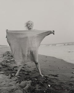 Marilyn Monroe with blanket 1962 silver gelatin signed