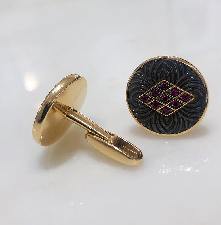 George Gero 18 Karat Gold .44 Carat Ruby and Black Mother of Pearl Cuff Links In New Condition For Sale In New York, NY