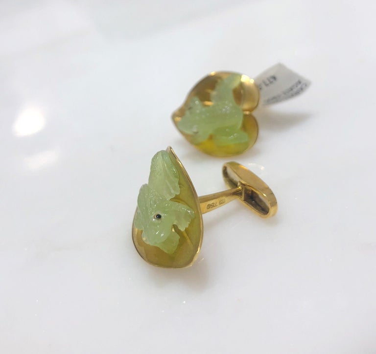 Contemporary George Gero 18 Karat Yellow Gold and Agate Frog on a Lily Pad Cufflinks For Sale