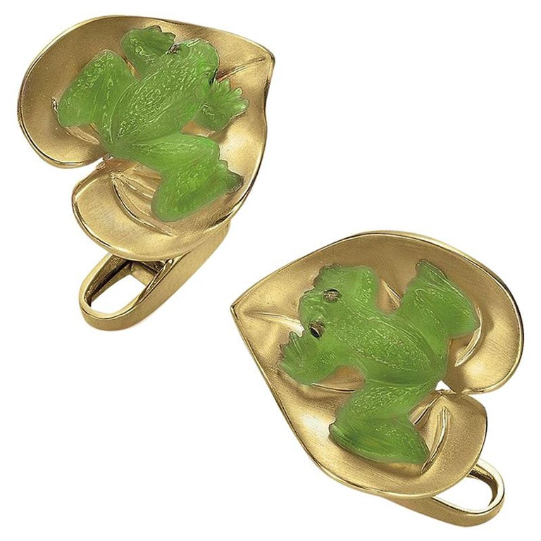 George Gero 18 Karat Yellow Gold and Agate Frog on a Lily Pad Cufflinks For Sale