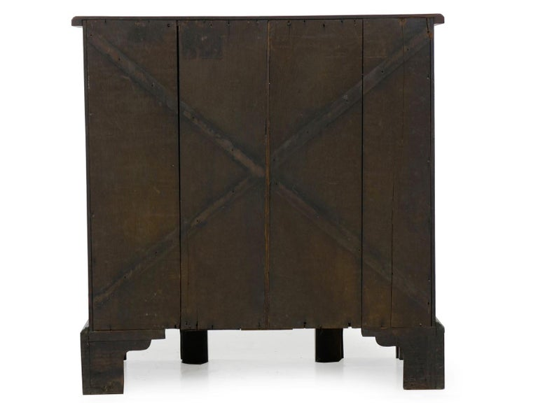 George II Mahogany Kneehole Dressing Table Desk, England, circa 1750 For Sale 10