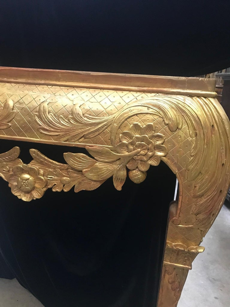 George II Style Carved Giltwood Console with Thick Marble For Sale 6