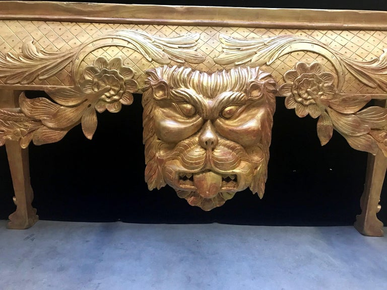George II Style Carved Giltwood Console with Thick Marble For Sale 2