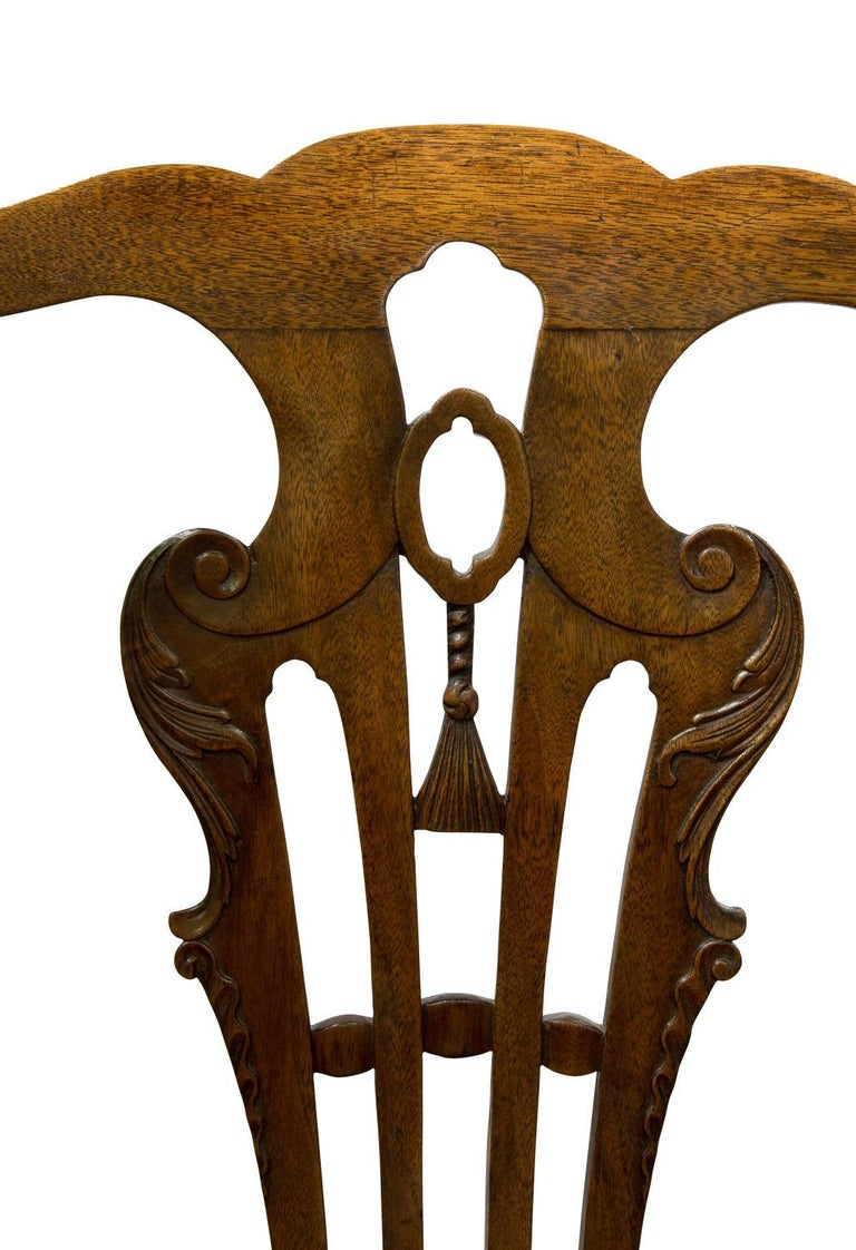 George III Carved Walnut Standard Chair in the Manner of John Whitby In Good Condition For Sale In Salisbury, GB