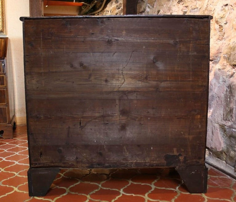 European George III Chest of Drawers For Sale