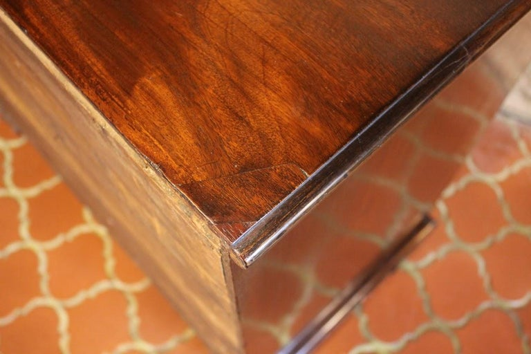 George III Chest of Drawers In Excellent Condition For Sale In Woodbury, CT