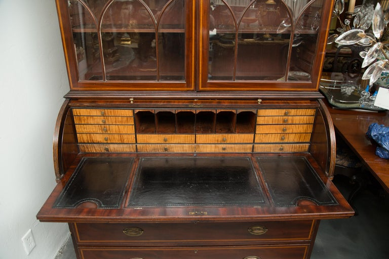 George III Mahogany and Satinwood Secretary Bookcase, 18th Century For Sale 6
