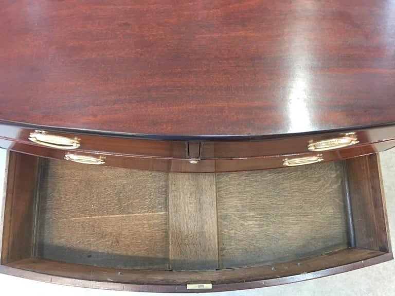 George III Mahogany Bow Front Chest of Drawers For Sale 5