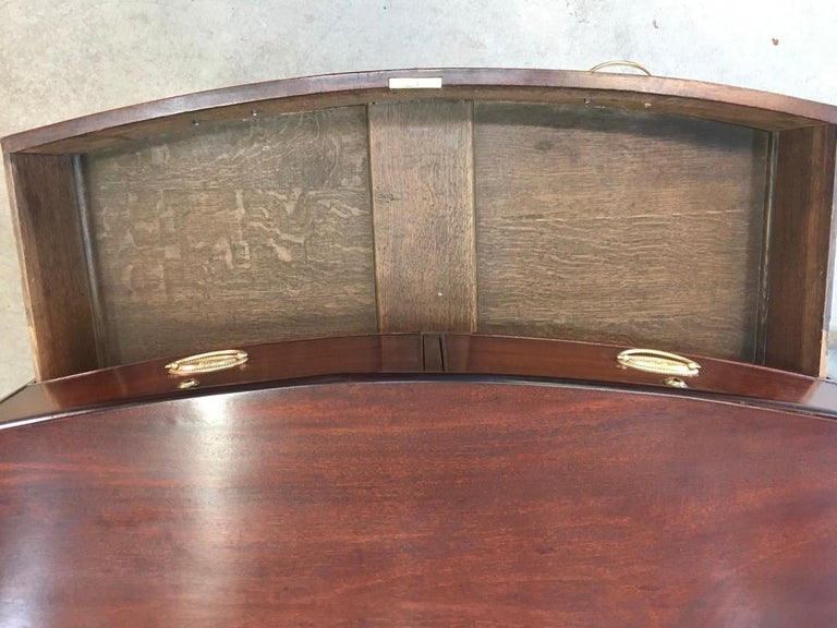 George III Mahogany Bow Front Chest of Drawers For Sale 6