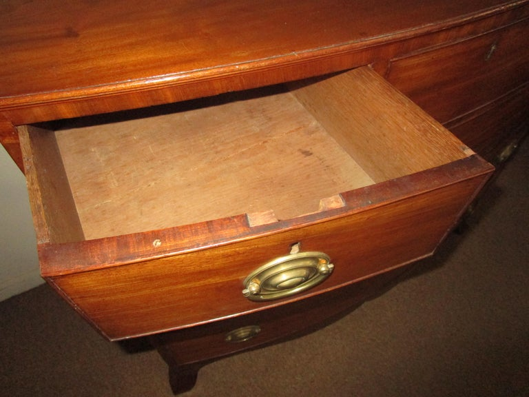 George III Mahogany Bow Front Chest of Drawers For Sale 3