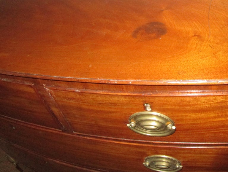 George III Mahogany Bow Front Chest of Drawers For Sale 4