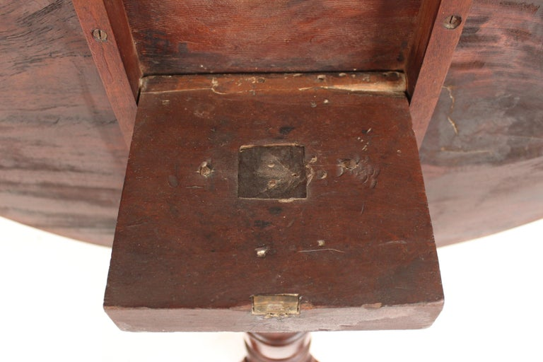 George III Mahogany tilt top table For Sale 6