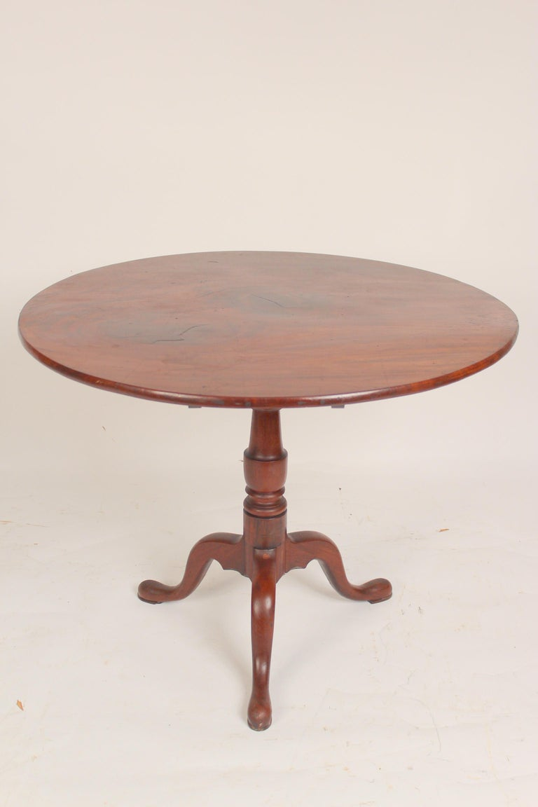 English George III Mahogany tilt top table For Sale