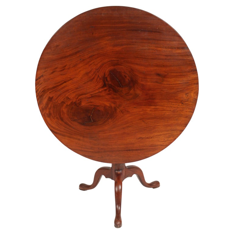 George III Mahogany tilt top table For Sale