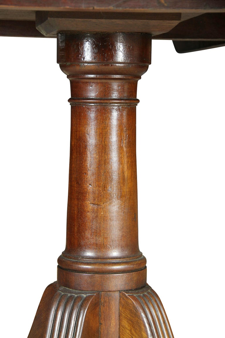 George III Mahogany Four Pedestal Dining Table For Sale 5