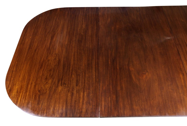 George III Mahogany Four Pedestal Dining Table In Good Condition For Sale In Essex, MA
