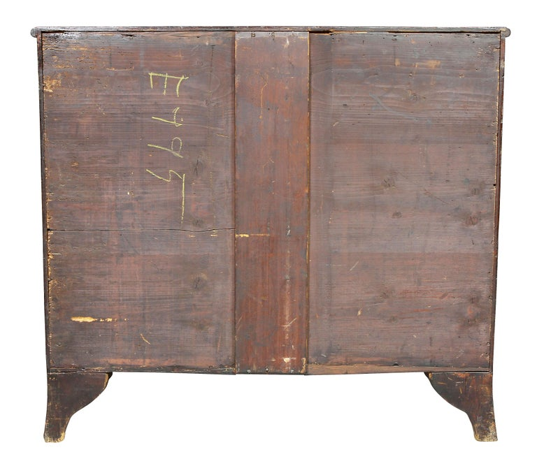 George III Mahogany Serpentine Chest of Drawers For Sale 5