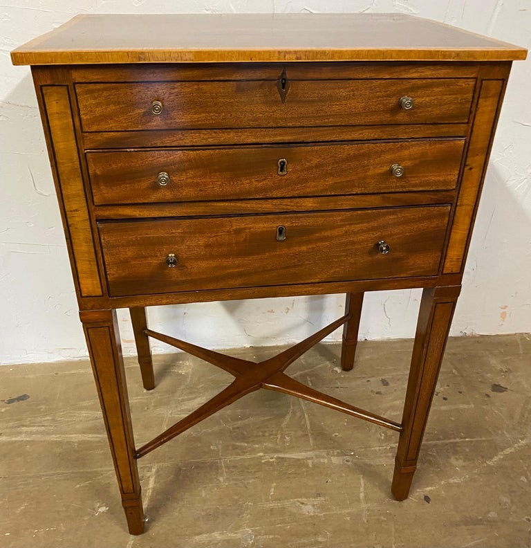 George III Night Table/Sewing Table c.1800 For Sale 4