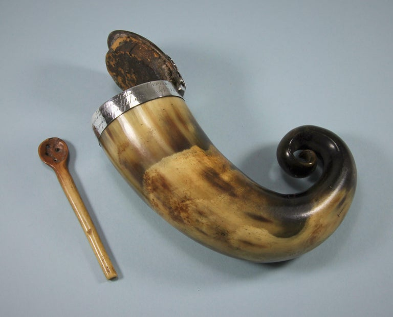 Silver George III Scottish Horn Snuff Mull and Spoon, circa 1810 For Sale
