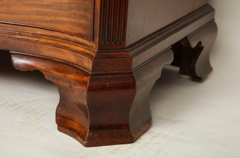 Mahogany George III Serpentine Chest of Drawers For Sale