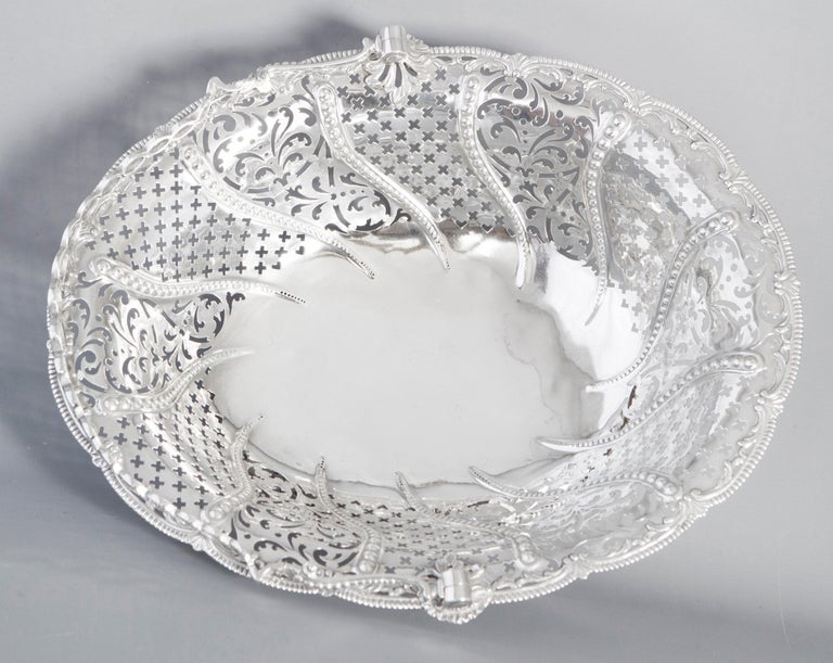 British George III Silver Basket, London, 1761 by William Plummer For Sale