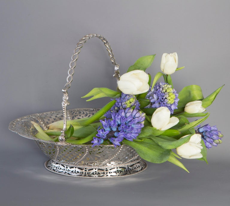Mid-18th Century George III Silver Basket, London, 1761 by William Plummer For Sale